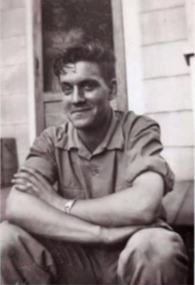 Chân dung William J. Gray Jr. hồi còn trẻ