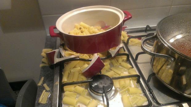Những khoảnh khắc chứng minh chỉ đam mê nấu nướng thôi vẫn chưa đủ, bạn phải cần tay nghề cao và một chút may mắn nữa! - Ảnh 8.