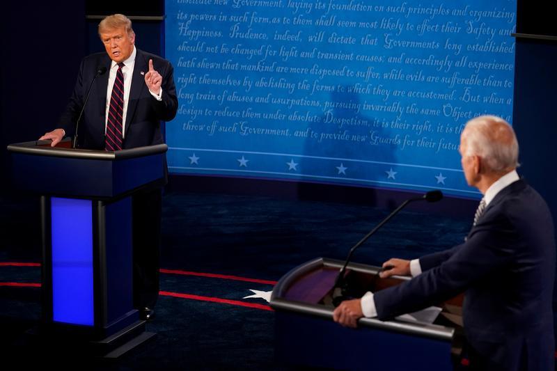 16 khoảnh khắc đáng nhớ trong nhiệm kỳ đầu tiên của Tổng thống Donald Trump qua ảnh Reuters - Ảnh 16.