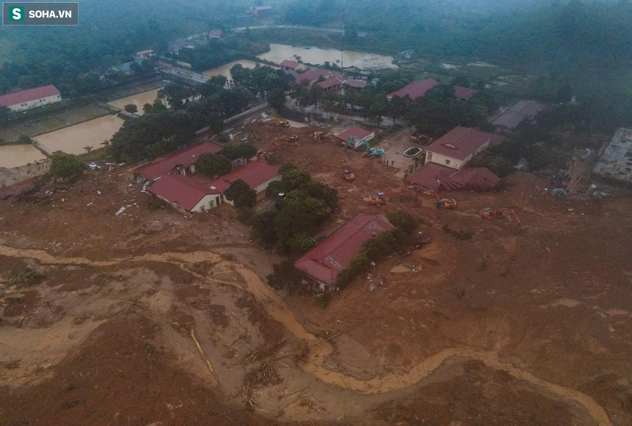 """Toàn cảnh dãy nhà bị núi lở """"san phẳng"""", vùi lấp 22 chiến sĩ ở Quảng Trị - Ảnh 13."""