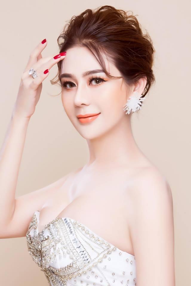Gia thế và tài sản khủng của Lâm Khánh Chi, mua nhà 30 tỷ cũng nhẹ như lông hồng - Ảnh 2.