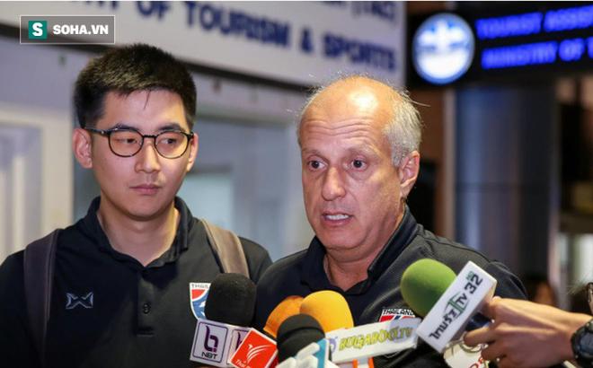 HLV từng thảm bại 0-4 ở Mỹ Đình xác nhận chia tay Văn Lâm và đồng đội sau trận thua đau - Ảnh 1.