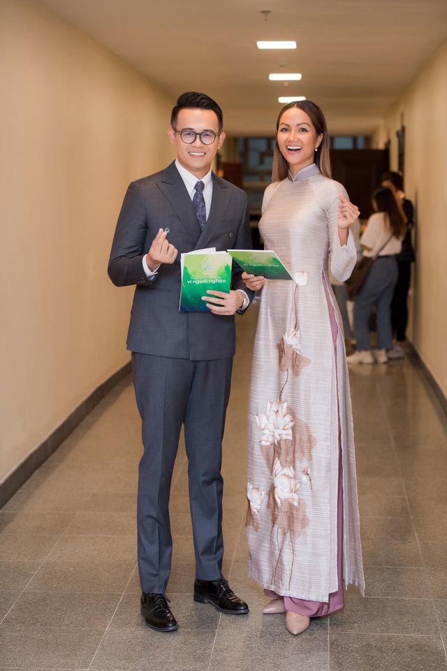 """H'Hen Niê bị chỉ trích keo kiệt, MC Đức Bảo cho rằng """"đừng nhìn vào những con số"""" - ảnh 1"""
