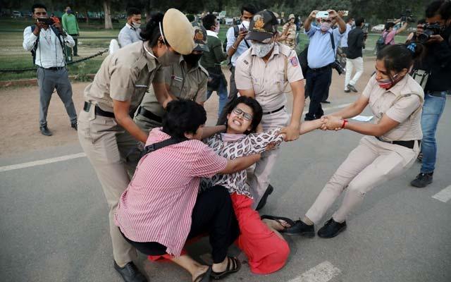 Ấn Độ: Bỏ nhà ra đi, cô gái bị bắt làm nô lệ tình dục suốt 22 ngày - Ảnh 1.