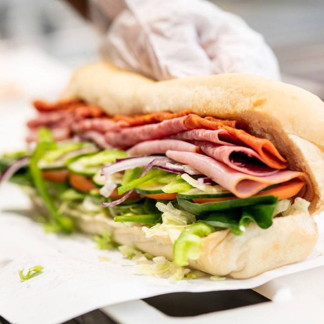 Đồ ăn nhanh mà healthy: Chiến lược giúp Subway thống trị thế giới vì đâu lại thất bại ê chề tại Việt Nam, sau 10 năm chỉ có 1 cửa hàng? - Ảnh 4.