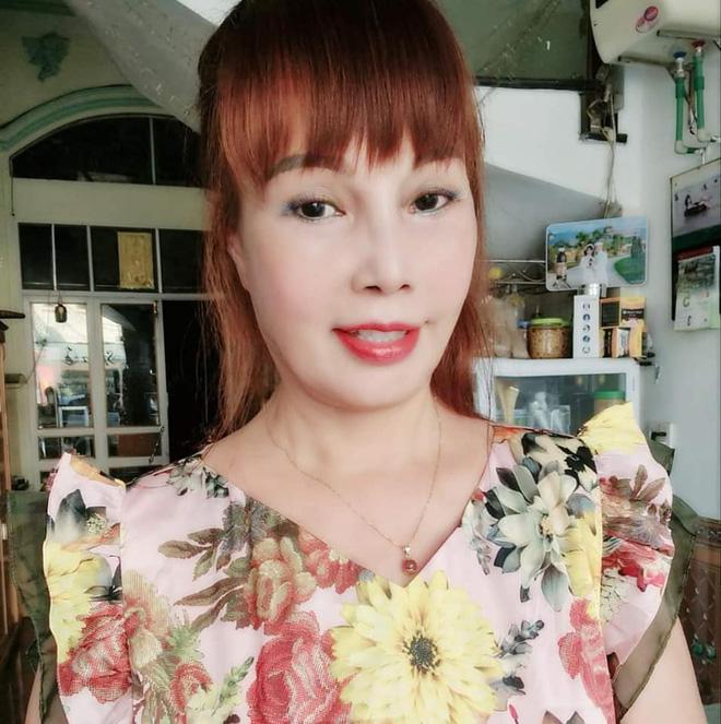 """Cô dâu 62 tuổi tự tin khoe diện mạo mới sau cuộc """"đại phẫu"""" bị biến chứng lệch mặt: Nhan sắc hiện tại gây ngỡ ngàng - Ảnh 6."""