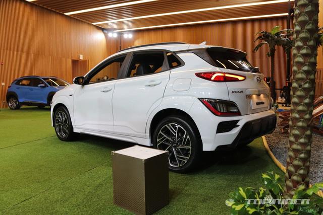 Chi tiết Hyundai Kona 2021 ngoài đời thực: Bóng bẩy hơn, đối thủ thực sự của hiện tượng Kia Seltos sẽ sớm về Việt Nam - Ảnh 6.