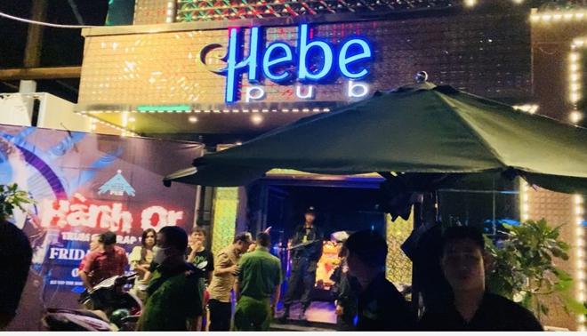 Xử lý 24 người dương tính với ma túy trong quán Bar - Ảnh 1.