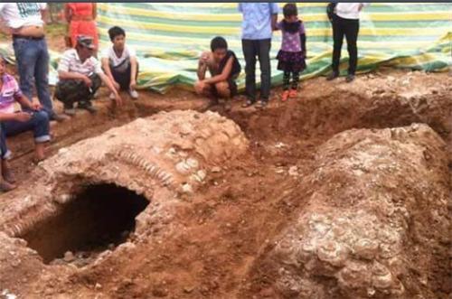 Đột nhập cướp mộ, kẻ trộm bỏ quên cổ vật trị giá 1.000 tỷ đồng chôn ở nơi không ai ngờ tới - Ảnh 1.