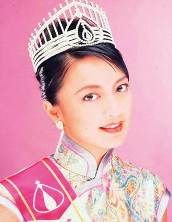 Hoa hậu Hong Kong làm ăn thua lỗ, phải thế chấp vương miện trả nợ giờ ra sao ở tuổi 50? - Ảnh 3.
