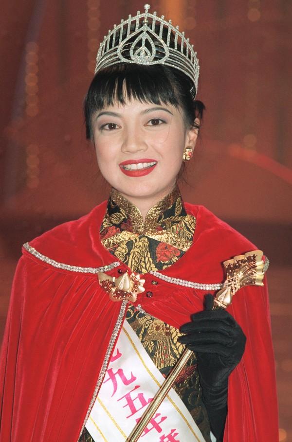 Hoa hậu Hong Kong làm ăn thua lỗ, phải thế chấp vương miện trả nợ giờ ra sao ở tuổi 50? - Ảnh 1.