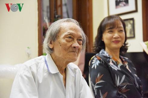 NSND Lê Khanh lần đầu nói tới chuyện bố ruột 84 tuổi đang có bạn gái bằng thái độ gây bất ngờ - Ảnh 3.