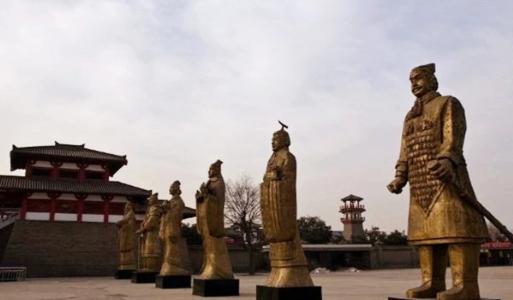 Vừa mới tiêu diệt 6 nước, thống nhất thiên hạ, vì sao Tần Thủy Hoàng đã phải vội cho đúc đúng 12 bức tượng người bằng đồng? - Ảnh 2.