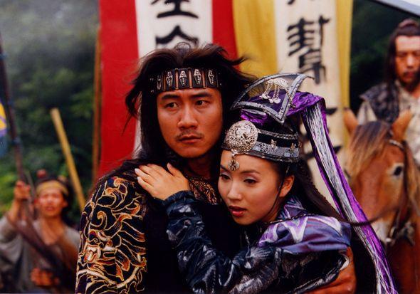 Những giai nhân xinh đẹp nhưng lại chết thảm vì tình trong thế giới Kim Dung - Ảnh 5.
