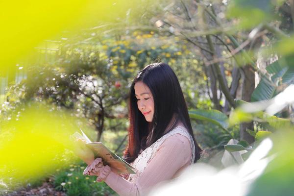 Nhan sắc mặn mà tuổi 48 của MC Đặng Châu Anh, bà xã đạo diễn Đỗ Thanh Hải - Ảnh 6.