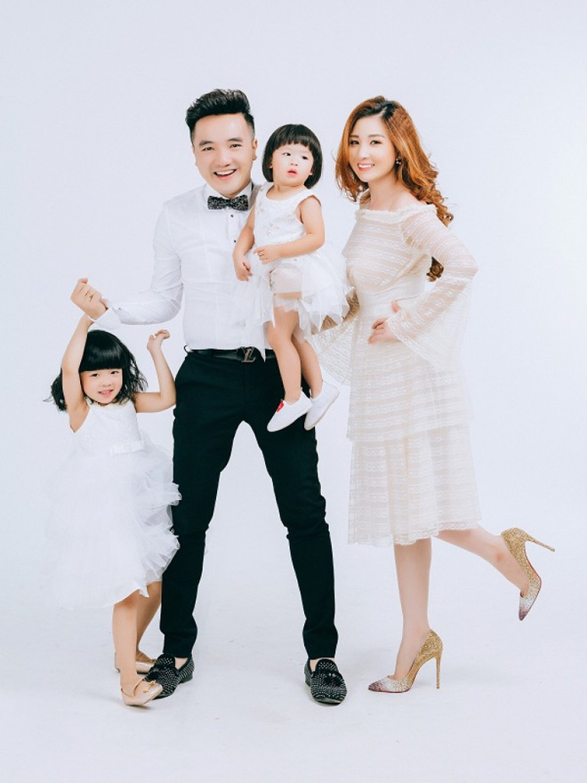 2 lần để vợ sinh con một mình vì ham chơi, Dương Ngọc Thái ít đi hát để chăm sóc vợ bầu