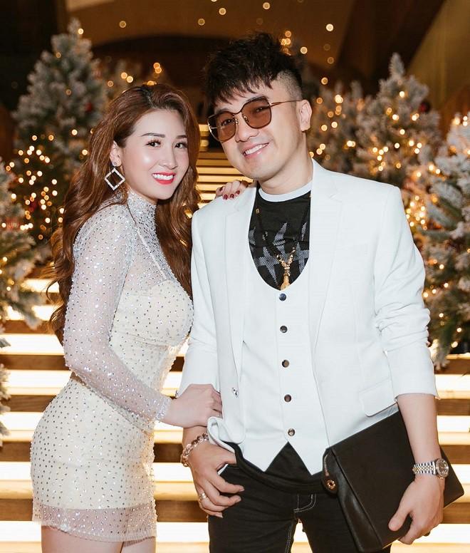 2 lần để vợ sinh con một mình vì ham chơi, Dương Ngọc Thái ít đi hát để chăm sóc vợ bầu - Ảnh 3.