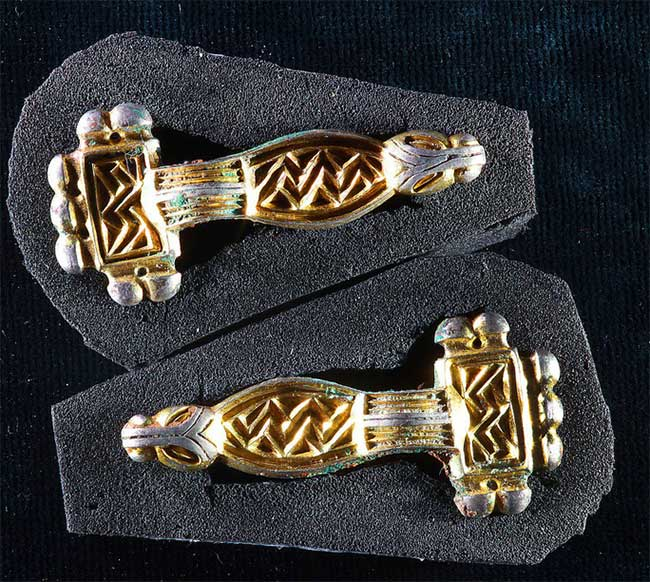 80 bộ hài cốt đầy vàng xuất hiện trong mộ cổ gây chấn động thế giới - Ảnh 1.