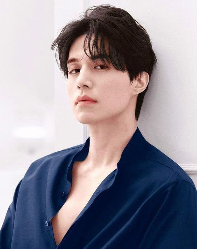 Lee Dong Wook - Anh chú đắt giá của Kbiz: Đời tư sạch bóng kin kít, mê hoạt hình Disney như điếu đổ và tự nhận chả hề lãng mạn - Ảnh 1.