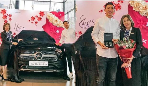 Sau Quang Hải, đến lượt Văn Hậu tậu xe sang trị giá hơn 2 tỷ đồng - Ảnh 3.