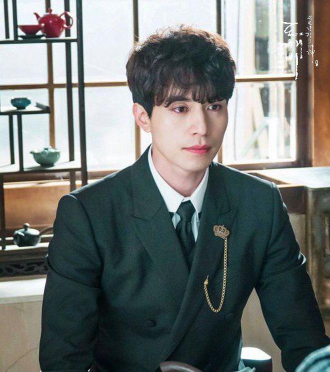 Lee Dong Wook - Anh chú đắt giá của Kbiz: Đời tư sạch bóng kin kít, mê hoạt hình Disney như điếu đổ và tự nhận chả hề lãng mạn - Ảnh 22.