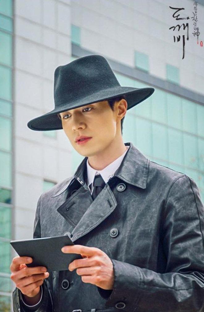 Lee Dong Wook - Anh chú đắt giá của Kbiz: Đời tư sạch bóng kin kít, mê hoạt hình Disney như điếu đổ và tự nhận chả hề lãng mạn - Ảnh 23.