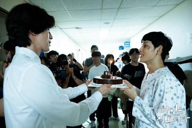 Lee Dong Wook - Anh chú đắt giá của Kbiz: Đời tư sạch bóng kin kít, mê hoạt hình Disney như điếu đổ và tự nhận chả hề lãng mạn - Ảnh 51.