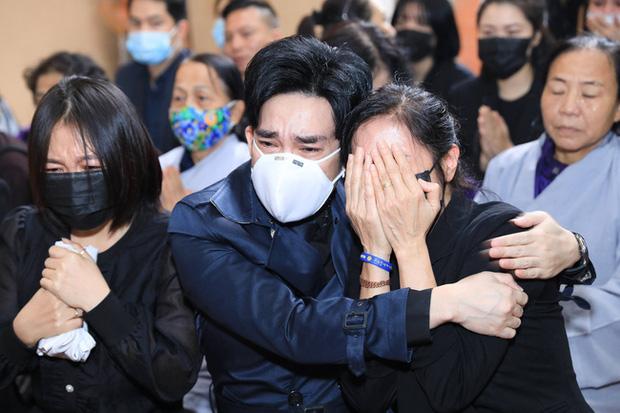 Lập tức đi hát sau 1 ngày anh trai ruột qua đời, Quang Hà lên tiếng - Ảnh 1.