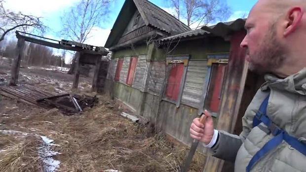 Một mình khám phá cấm địa phóng xạ Chernobyl, người đàn ông tìm ra sự thật sau lời đồn đại về vùng đất chết - Ảnh 1.