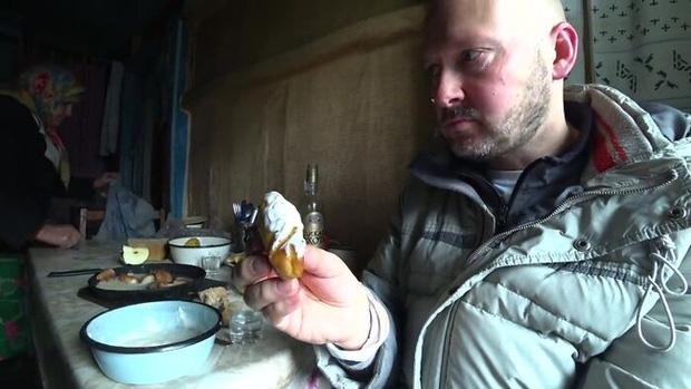 Một mình khám phá cấm địa phóng xạ Chernobyl, người đàn ông tìm ra sự thật sau lời đồn đại về vùng đất chết - Ảnh 7.
