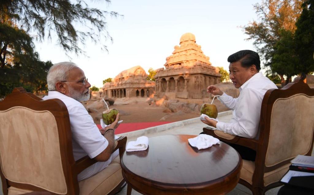 """Rũ bỏ kiêng dè, Ấn Độ """"điểm huyệt"""" Trung Quốc: Tuyên bố bất ngờ và cái bắt tay quan trọng với Mỹ"""