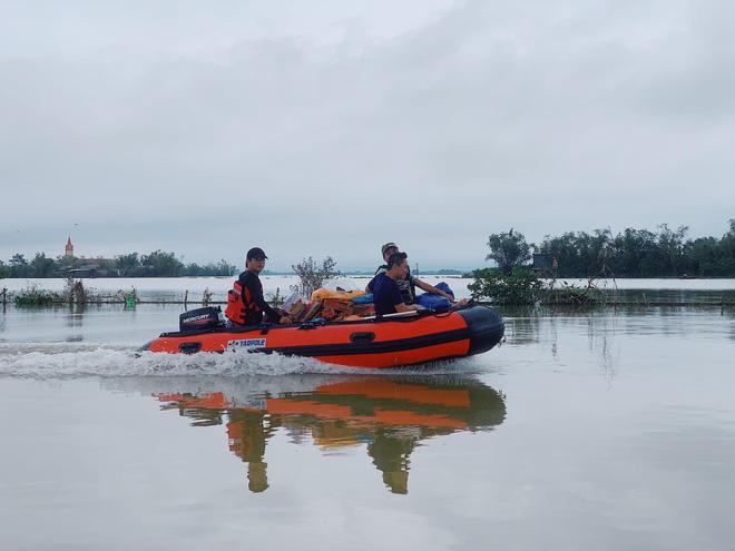 Profile của CEO 9X - cha đẻ Biệt đội cano 0 đồng đang ngày đêm ứng cứu đồng bào miền Trung bị lũ lụt - Ảnh 1.