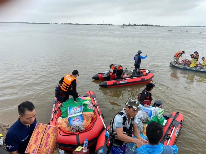 Profile của CEO 9X - cha đẻ Biệt đội cano 0 đồng đang ngày đêm ứng cứu đồng bào miền Trung bị lũ lụt - Ảnh 2.