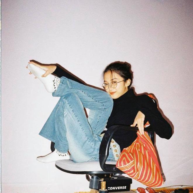 Gái xinh 2k2 trường Báo có nét giống Châu Bùi trở thành tâm điểm trong ngày nhập học, 'nổ' info luôn nè! - ảnh 9
