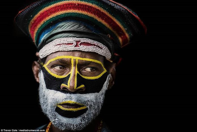 Bộ lạc bí hiểm và những tập tục kinh dị và ớn lạnh ở Papua New Guinea - Ảnh 11.
