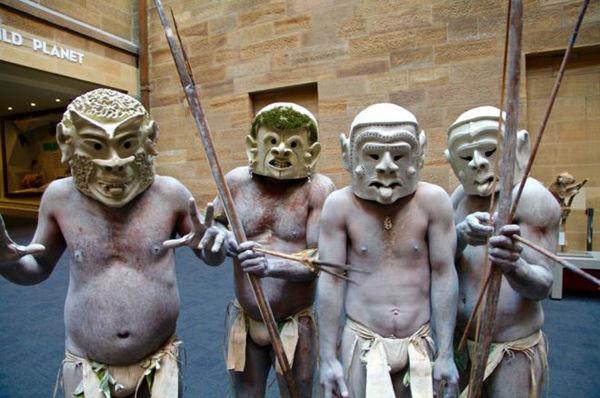 Bộ lạc bí hiểm và những tập tục kinh dị và ớn lạnh ở Papua New Guinea - Ảnh 13.