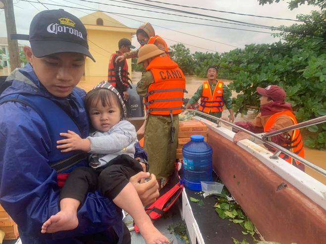 Profile của CEO 9X - cha đẻ Biệt đội cano 0 đồng đang ngày đêm ứng cứu đồng bào miền Trung bị lũ lụt - Ảnh 3.
