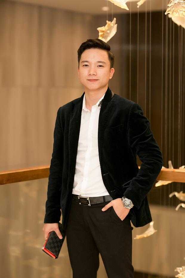 Profile của CEO 9X - cha đẻ Biệt đội cano 0 đồng đang ngày đêm ứng cứu đồng bào miền Trung bị lũ lụt - Ảnh 6.
