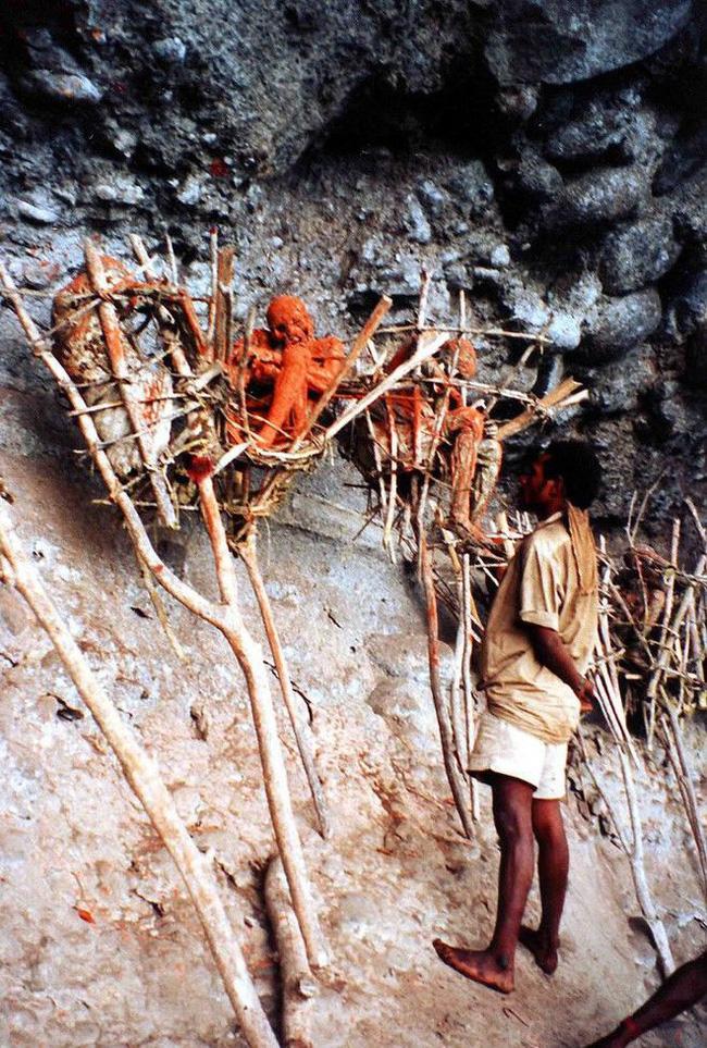 Bộ lạc bí hiểm và những tập tục kinh dị và ớn lạnh ở Papua New Guinea - Ảnh 7.