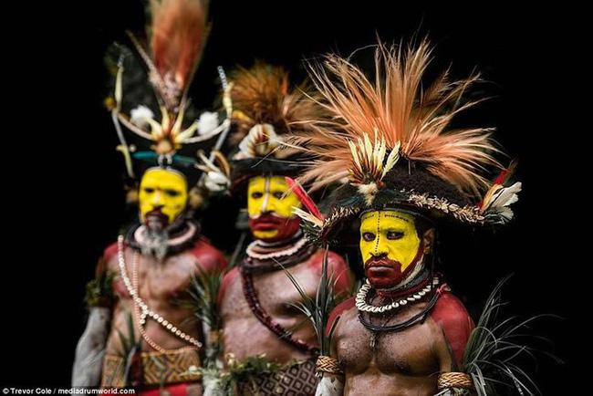 Bộ lạc bí hiểm và những tập tục kinh dị và ớn lạnh ở Papua New Guinea - Ảnh 9.