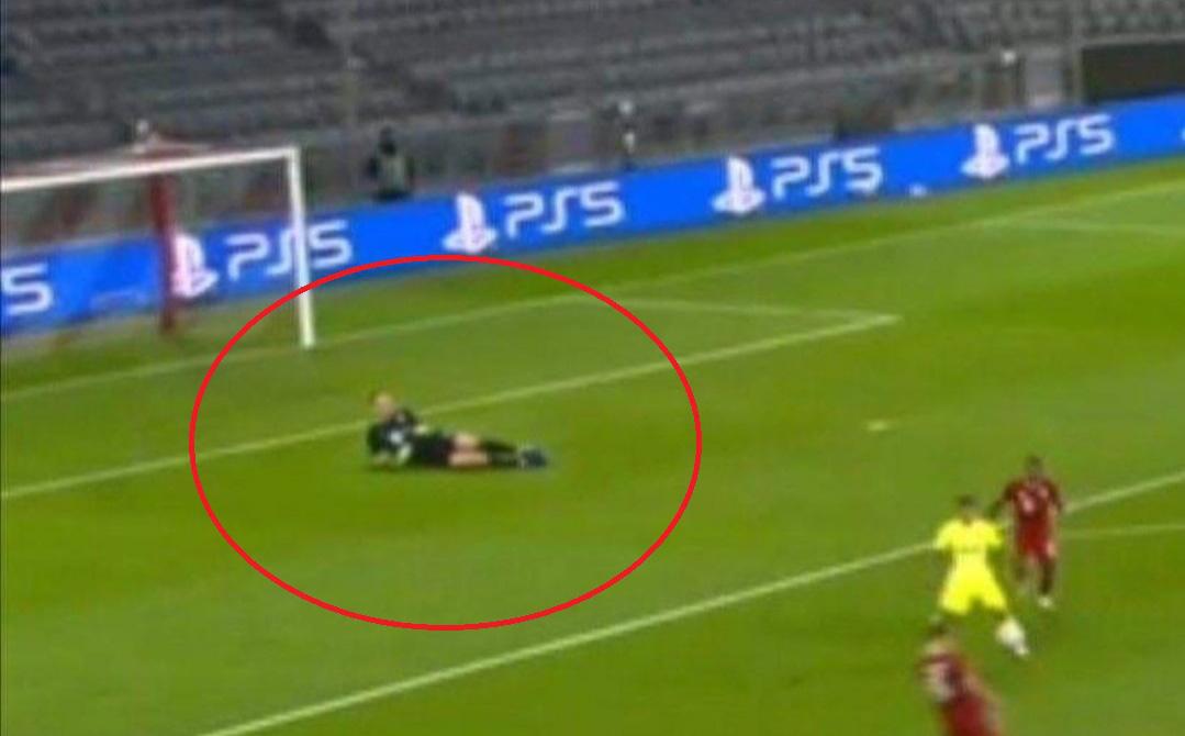 """Neuer """"nằm chơi"""" giữa vòng cấm địa trong ngày Bayern Munich thể hiện sức mạnh khủng khiếp"""