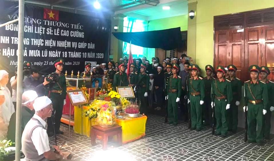 Nước mắt tiễn biệt liệt sỹ Đoàn 337 bị vùi lấp ở Quảng Trị: Nào ngờ con đi không về nữa - Ảnh 18.