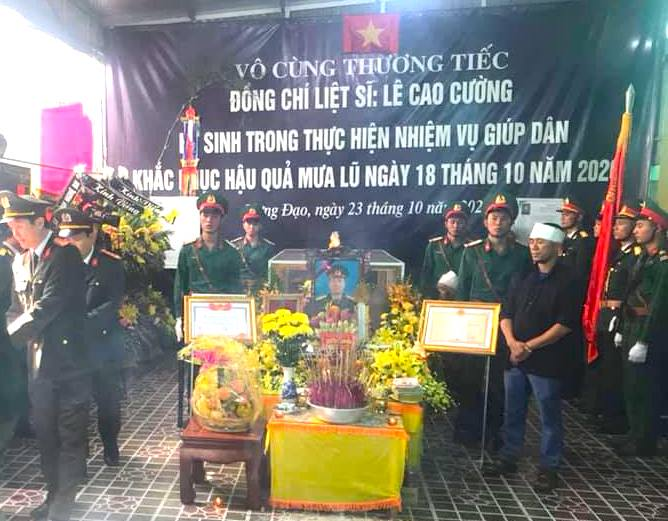 Nước mắt tiễn biệt liệt sỹ Đoàn 337 bị vùi lấp ở Quảng Trị: Nào ngờ con đi không về nữa - Ảnh 20.