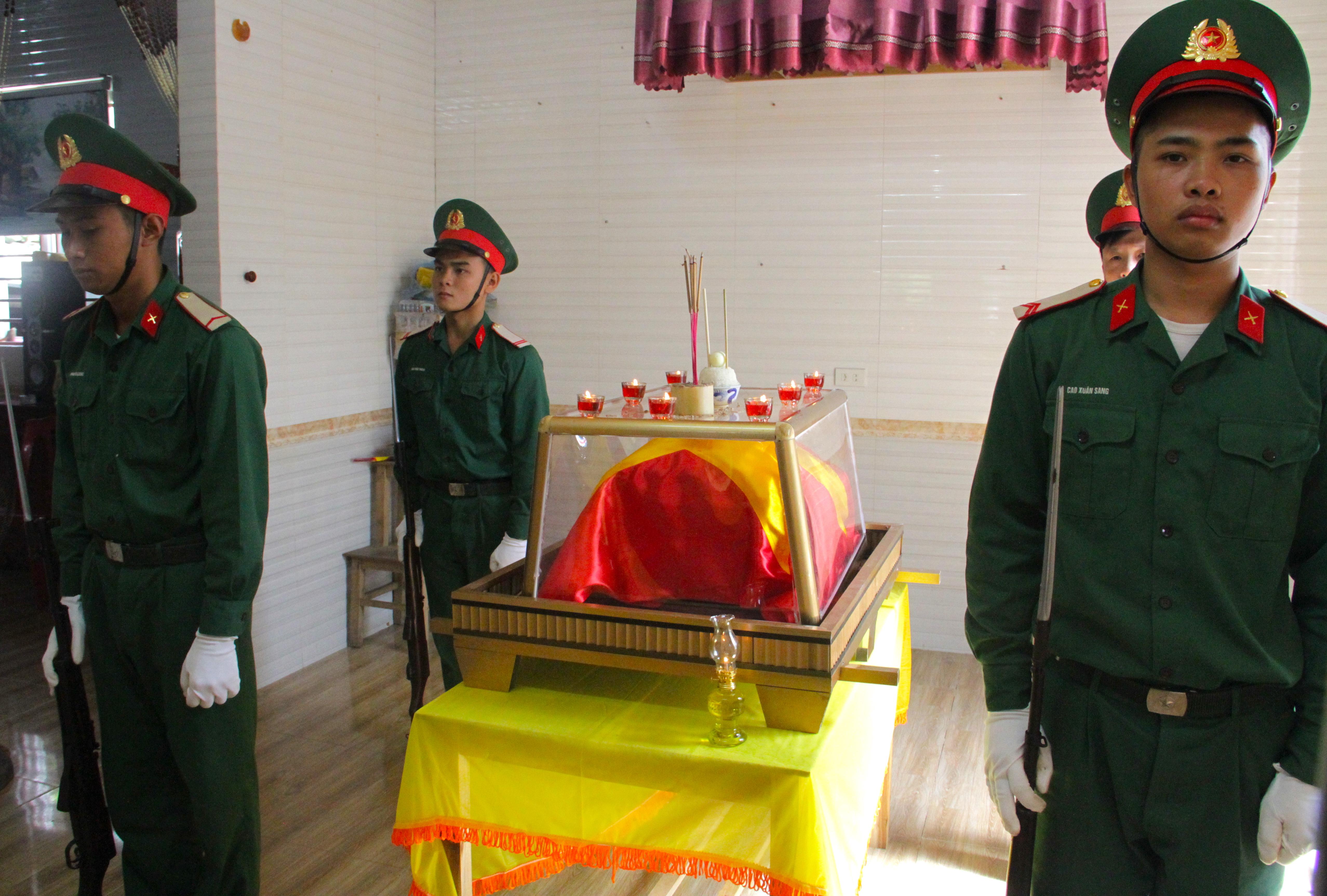 Nước mắt tiễn biệt liệt sỹ Đoàn 337 bị vùi lấp ở Quảng Trị: Nào ngờ con đi không về nữa - Ảnh 4.