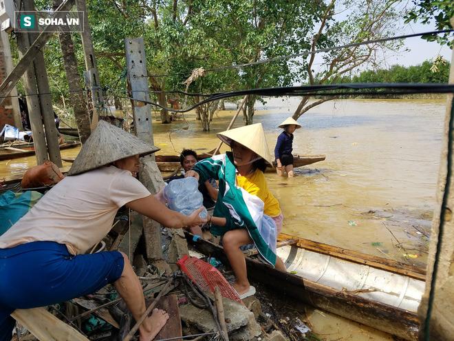 Thực hư việc Thuỷ Tiên trao tiền từ thiện ở Quảng Bình, cán bộ đến từng nhà thu lại - Ảnh 3.