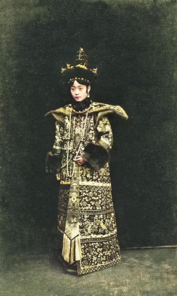 Hoàng hậu cuối cùng trong lịch sử phong kiến Trung Quốc: Xuất thân danh giá, tài sắc vẹn toàn nhưng phải sống một đời cô quạnh - Ảnh 3.