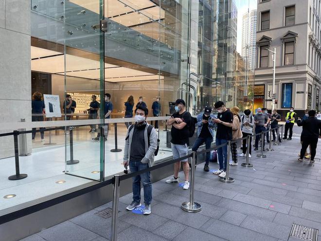 Mate 40 cháy đơn đặt trước, người mua tranh nhau vì sợ sau này Huawei cũng chẳng có hàng mà bán - Ảnh 5.