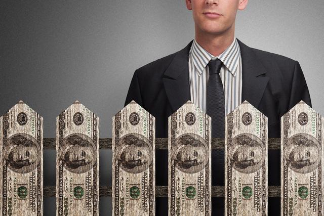 Tại sao người càng giàu có càng ki bo? 3 lý do sau đây khiến họ khó mà hào phóng nổi - Ảnh 3.