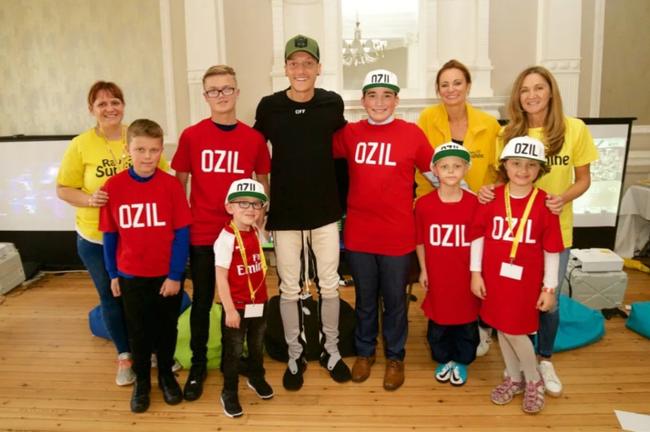 Đây! Lý do Mesut Ozil kiên quyết không rời Arsenal - Ảnh 3.