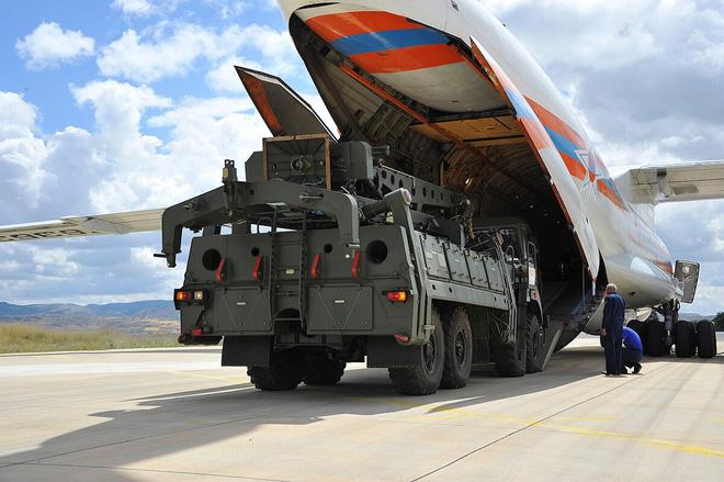 Thổ Nhĩ Kỳ trêu ngươi Mỹ: Dùng S-400 Nga bắn hạ UAV Anh và đưa F-16 vào tầm ngắm - Ảnh 1.